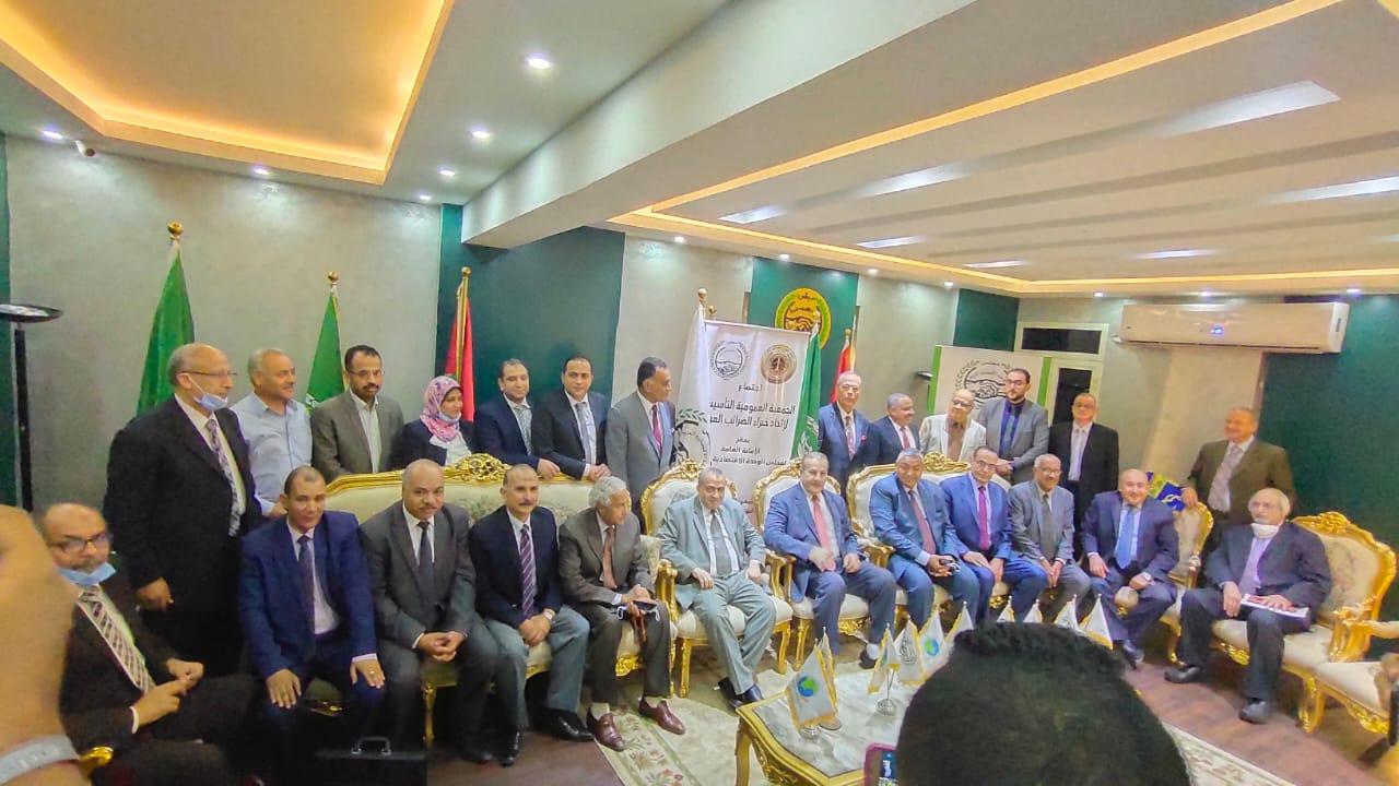 عبد الهادي مقبل رئيسا  لاتحاد خبراء الضرائب العرب و رمضان صديق نائبا
