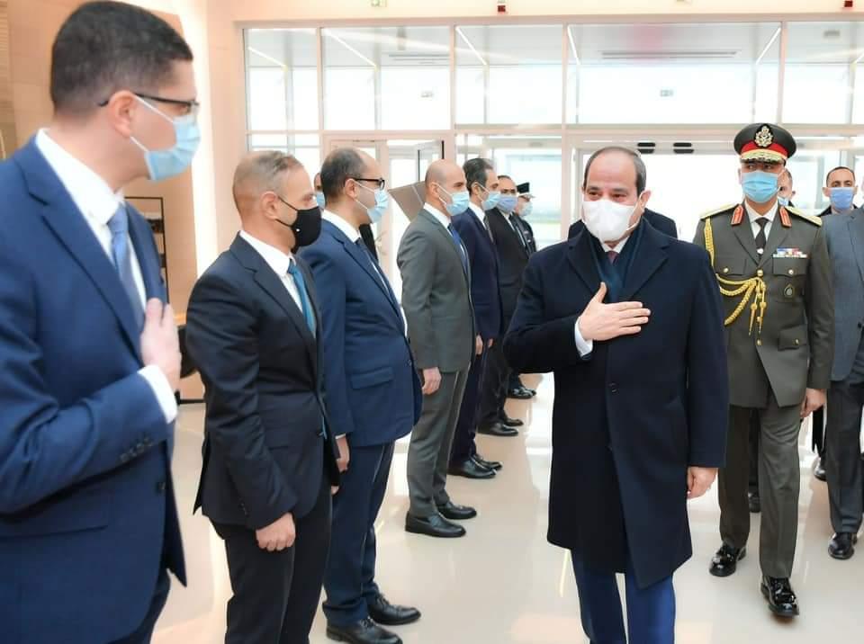 الرئيس السيسى يصل الى مطار اورلى بباريس.