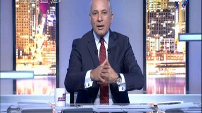 أحمد موسى يصفق للحكومة على الهواء بعد تعديل قانون الشهر العقاري.. فيديو