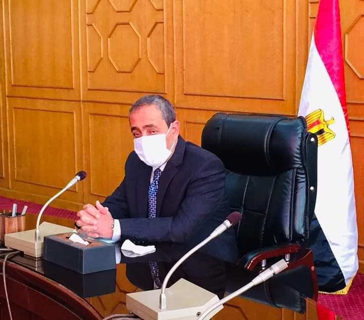 محافظ الاسماعيلية يستعرض الموقف التنفيذي لمشروع تطوير الكتلة السكانية بمدينة التل الكبير