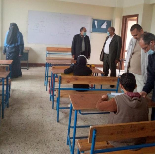 محافظ كفرالشيخ يشيد بتطبيق الإجراءات الاحترازية بالمدارس وأداء الطلاب للامتحان الالكتروني بنسبة 99%