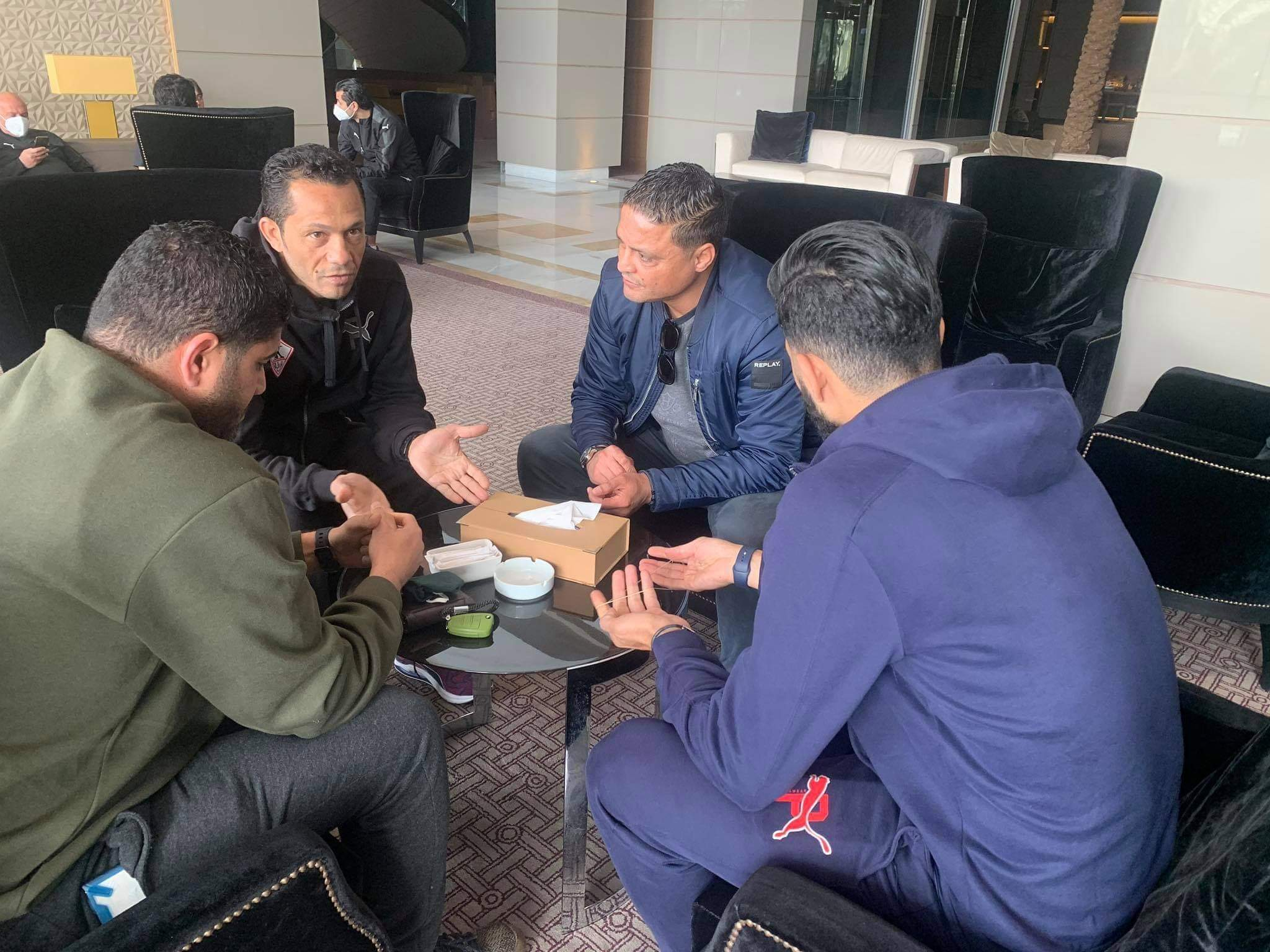 يامن بن ذكري ووسام العابدي يزوران بعثة الزمالك في تونس