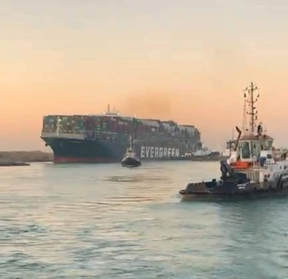 السيسي: سنستخلص الدروس والعبر من حادثة السفينة الجانحة