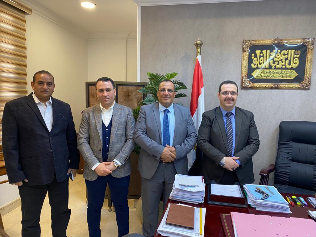 """جمعية مطوري القاهرة الجديدة تتقدم بـ4 مطالب لـ""""الإسكان"""" أهمها تخفيض مدة إصدار التراخيص"""