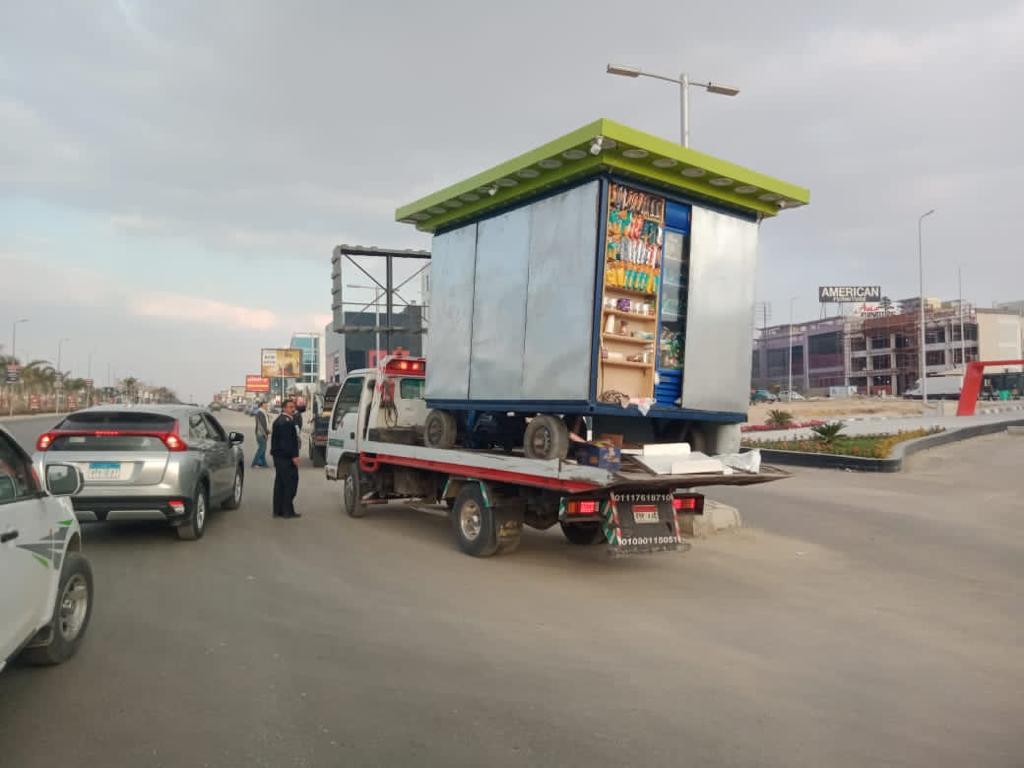 جهاز القاهرة الجديدة ينفذ حملات لإزالة الأكشاك الشاغلة للطرق والمحاور الرئيسية وضبط المخالفات بالمدينة