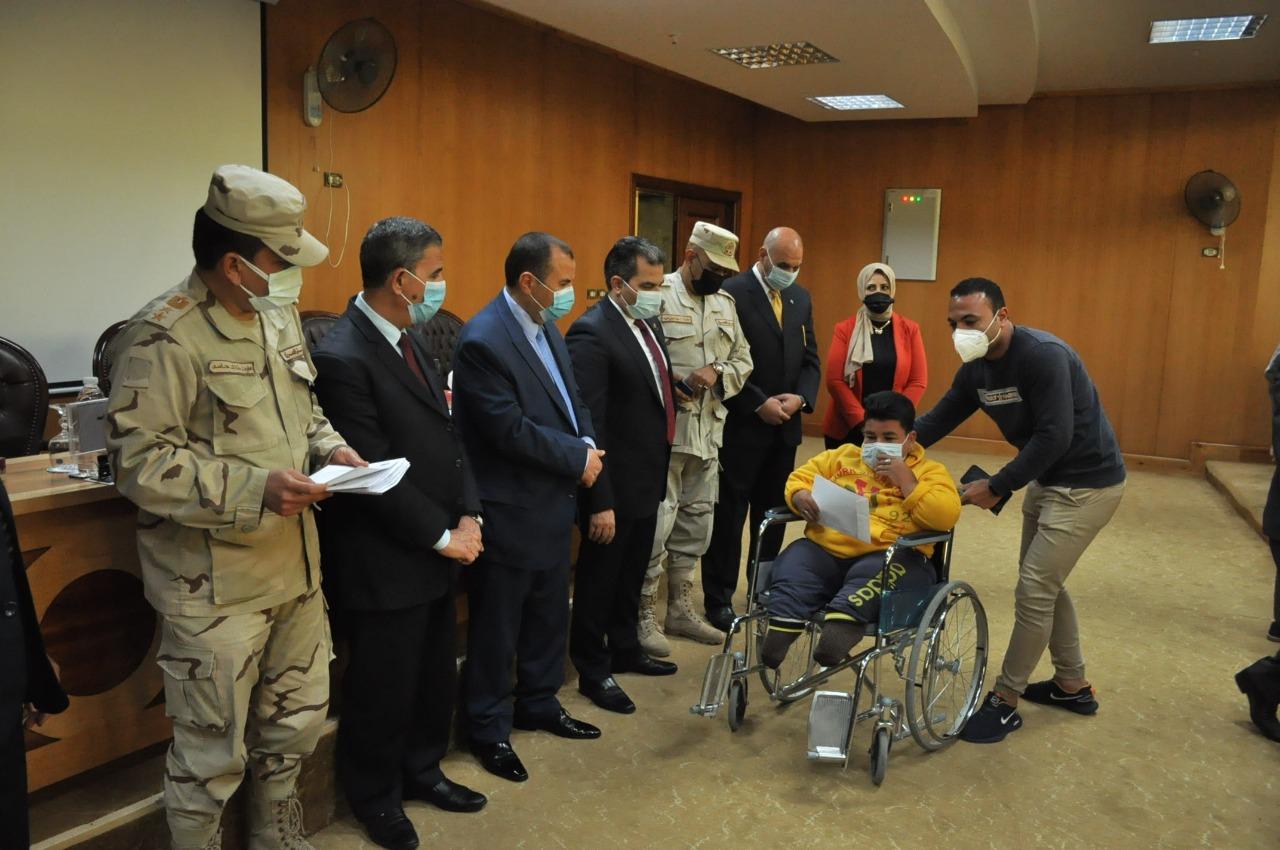تسليم شهادات التجنيد لـ 45 طالبا من ذوي الاحتياجات الخاصة بجامعة كفرالشيخ