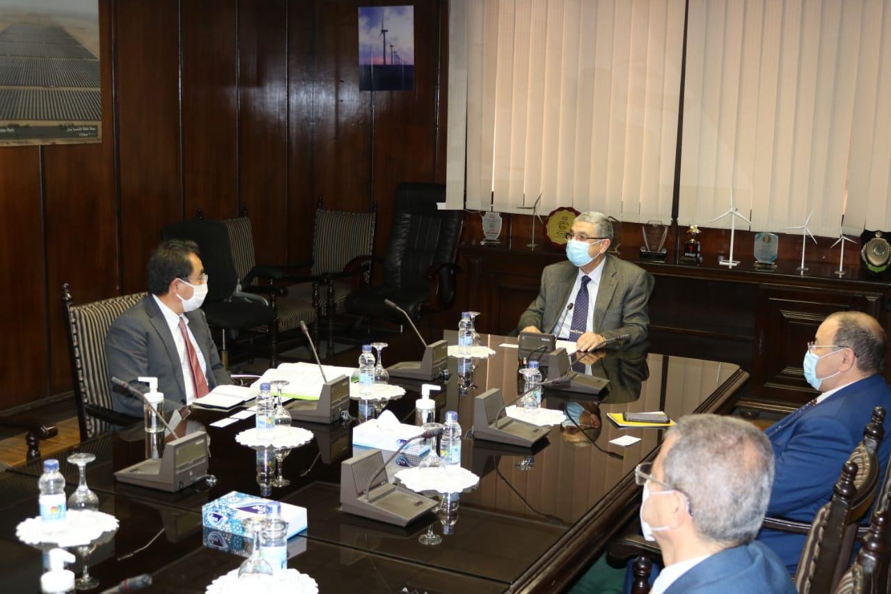 وزير الكهرباء الطاقة المتجددة يبحث مع رئيس الوكالة اليابانية للتعاون الدولي (JICA) سبل دعم وتعزيز التعاون المشترك