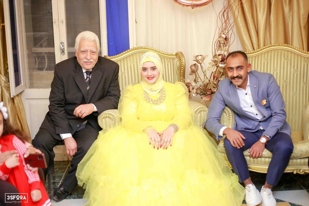 الف مبروك للعروسين.