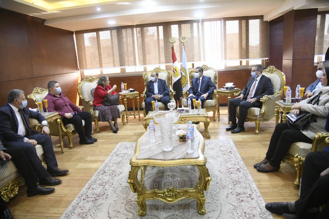 محافظ الغربية يستقبل وزير التنمية المحلية