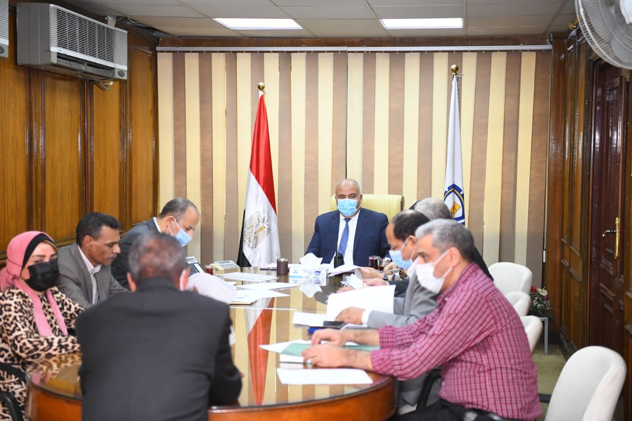 محافظ قنا يترأس لجنة إختيار مدير الإدارة التعليمية بقوص