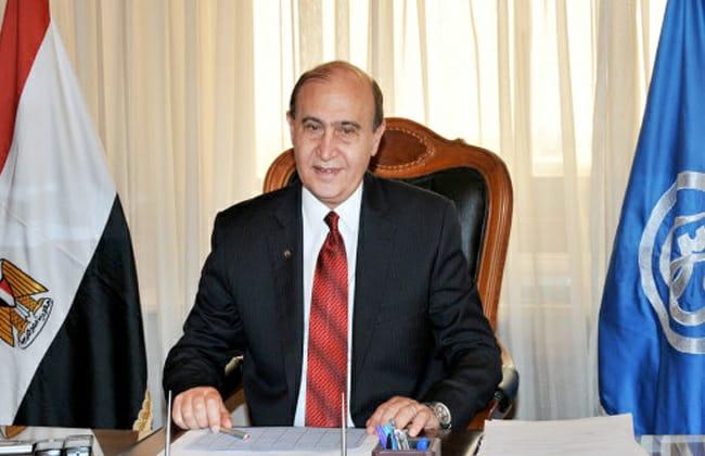 """مهاب مميش يكشف تفاصيل تطوير كراكات قناة السويس: """"ستخدم مصر كلها"""""""