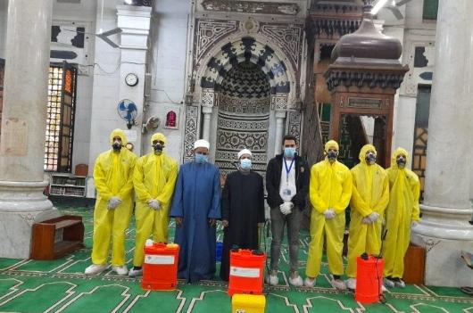 تعقيم مسجد السلطان أبو العلا القاهرة استعدادًا لشهر رمضان المبارك