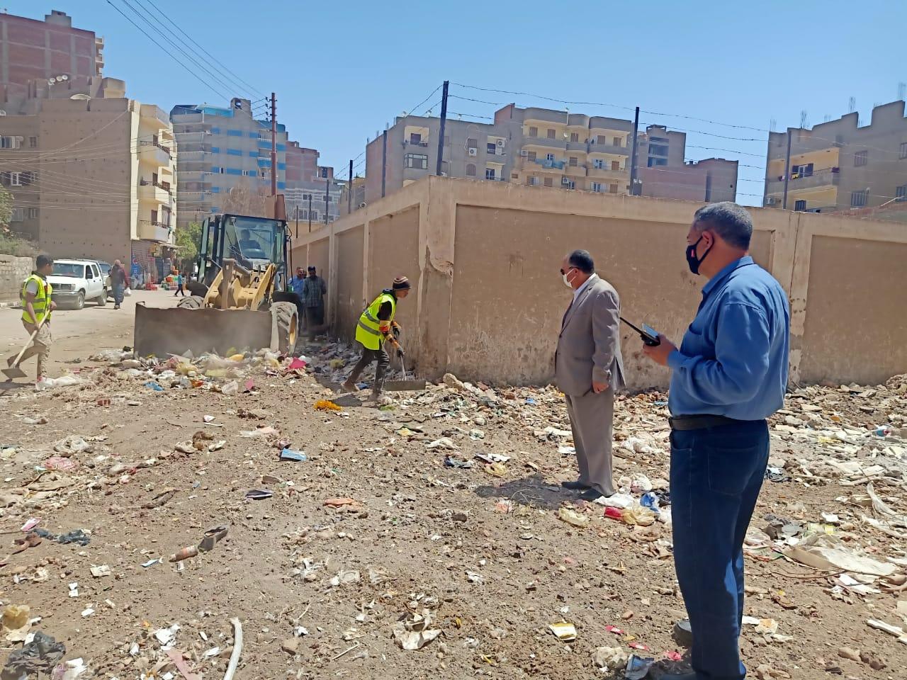محافظ أسيوط: حملات نظافة مستمرة بالمراكز والأحياء