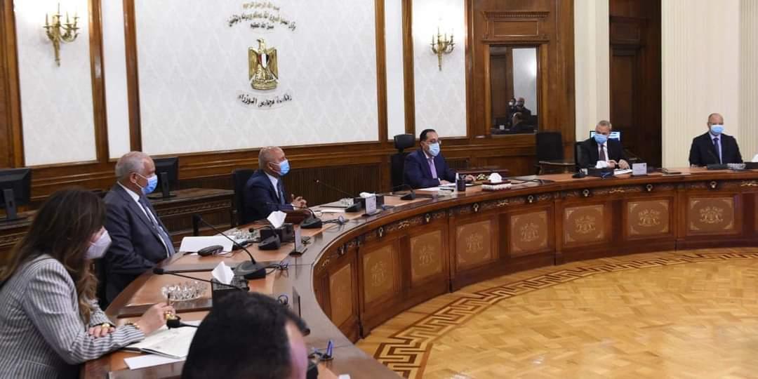 رئيس الوزراء يتابع موقف توسعة وتطوير الطريق الدائري