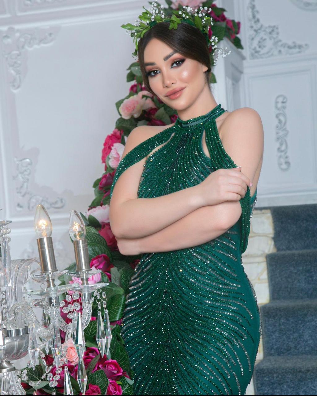 تيا الكردى  ملكة جمال العرب : أقدم برنامج منوعات  تلفزيوني بعد عيد الفطر   .