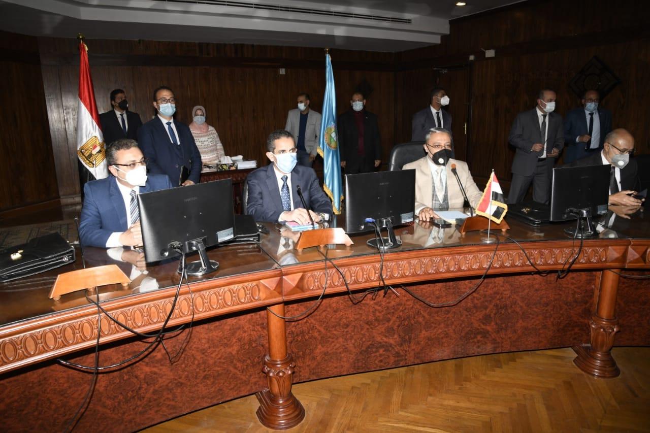 محافظ الغربية يشارك في اجتماع مجلس جامعة طنطا الثامن للعام الجامعي ٢٠ / ٢١