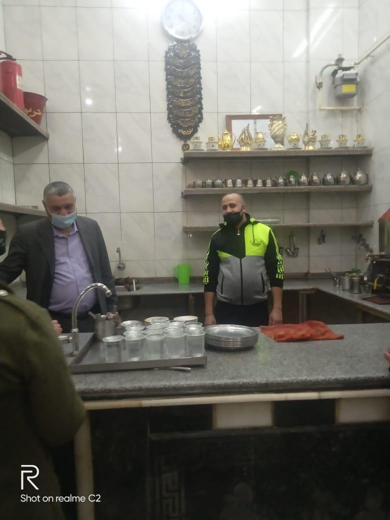 تحرير ٥٧ محضر لعدم ارتداء الكمامة وغلق ١٦ مقهى وورشة بدمياط