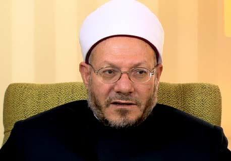 ما حكم الجماع في نهار رمضان؟ المفتي يجيب