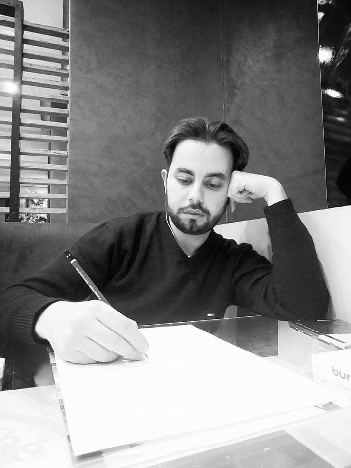 مصمم الأزياء المغربي  طة  بورشاش  علي شباب المصممين  أن يبحثوا  عن هدفهم