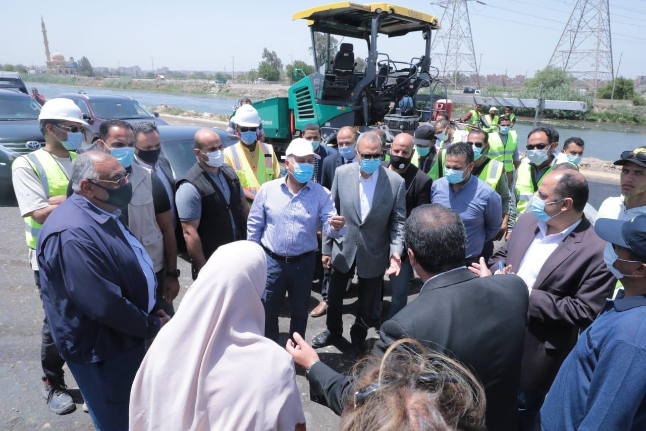 وزير النقل يتفقد أعمال تنفيذ المرحلة الأولى من مشروع إنشاء طريق حر شرق الرياح التوفيقي من بنها إلى المنصورة بطول 73 كم