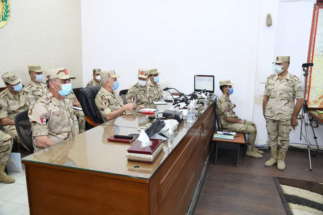 رئيس أركان حرب القوات المسلحة يتفقد الحالة الأمنية ويلتقى رجال القوات المسلحةبشمال سيناء
