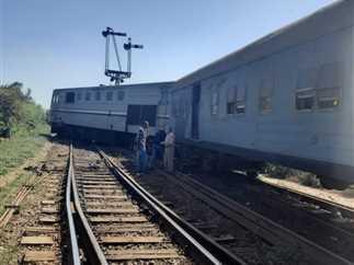 خروج  قطار عن القضبان  فى محطة كفر سعد البلد