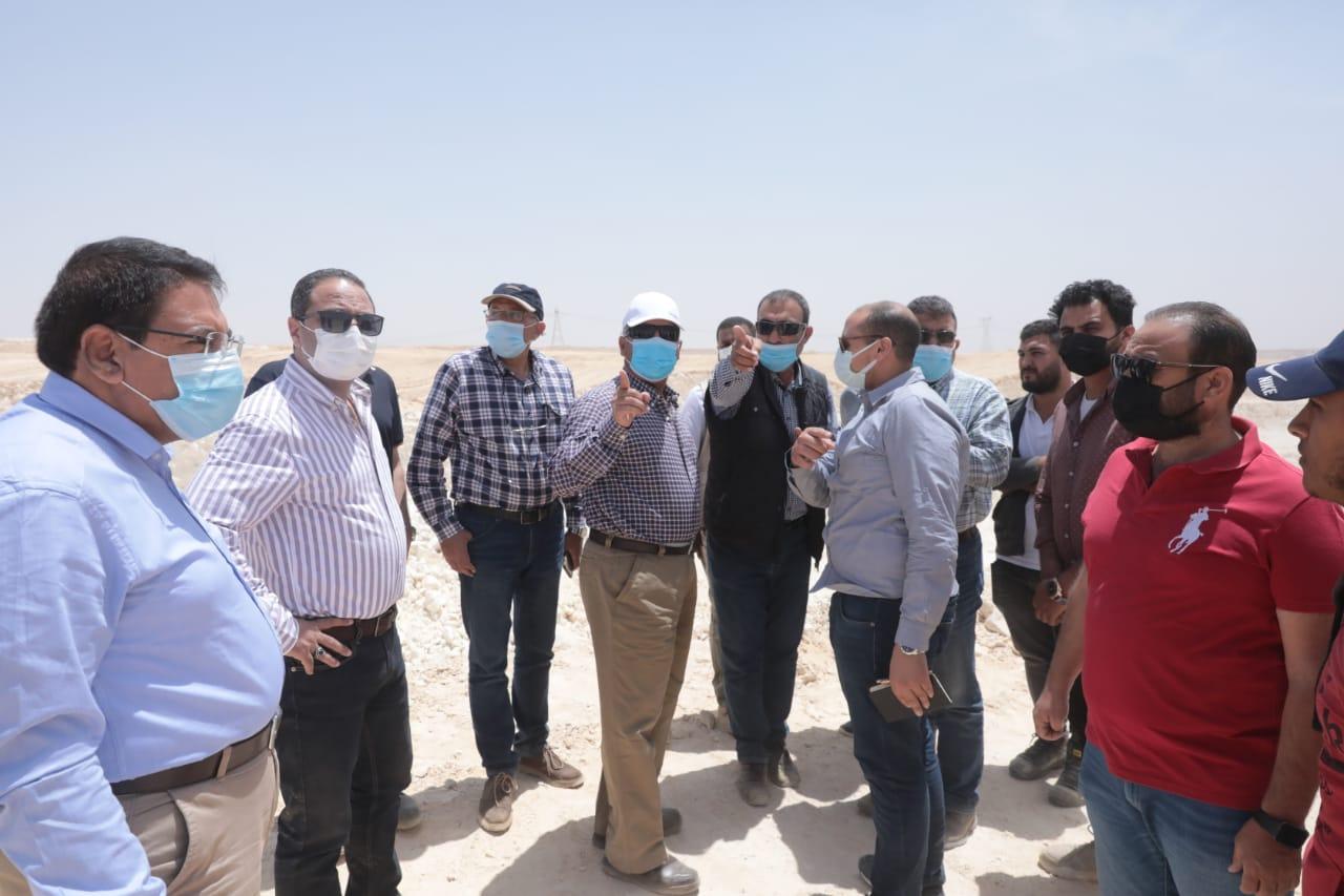 وزير النقل يتابع أعمال تنفيذ القطار الكهربائي السريع العين السخنة /مرسى مطروح