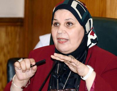 """برلمانية لـ""""عمال مصر"""": """"أنتم الركيزة المتينة لهذا المجتمع وسبيله الرئيسي للبقاء"""""""