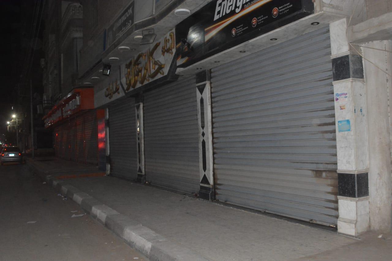 محافظ الغربية : غلق ٤٧ محل وتحرير ٢٦٨ محضر عدم ارتداء كمامة وتنفيذ حملات التطهير والتعقيم