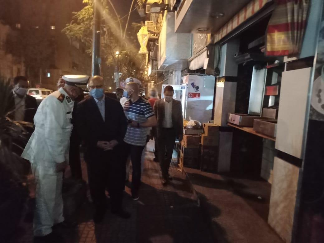 جولة مفاجئة لمحافظ القاهرة للتأكد من تطبيق الإجراءات الاحترازية