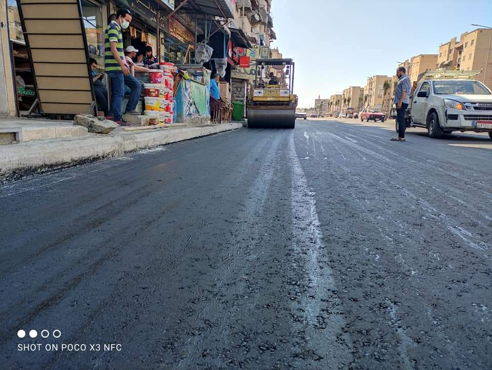 محافظ بورسعيد : مواصلة أعمال وضع طبقة الأسفلت النهائية لشارع عبد الرحمن شكري بالضواحى