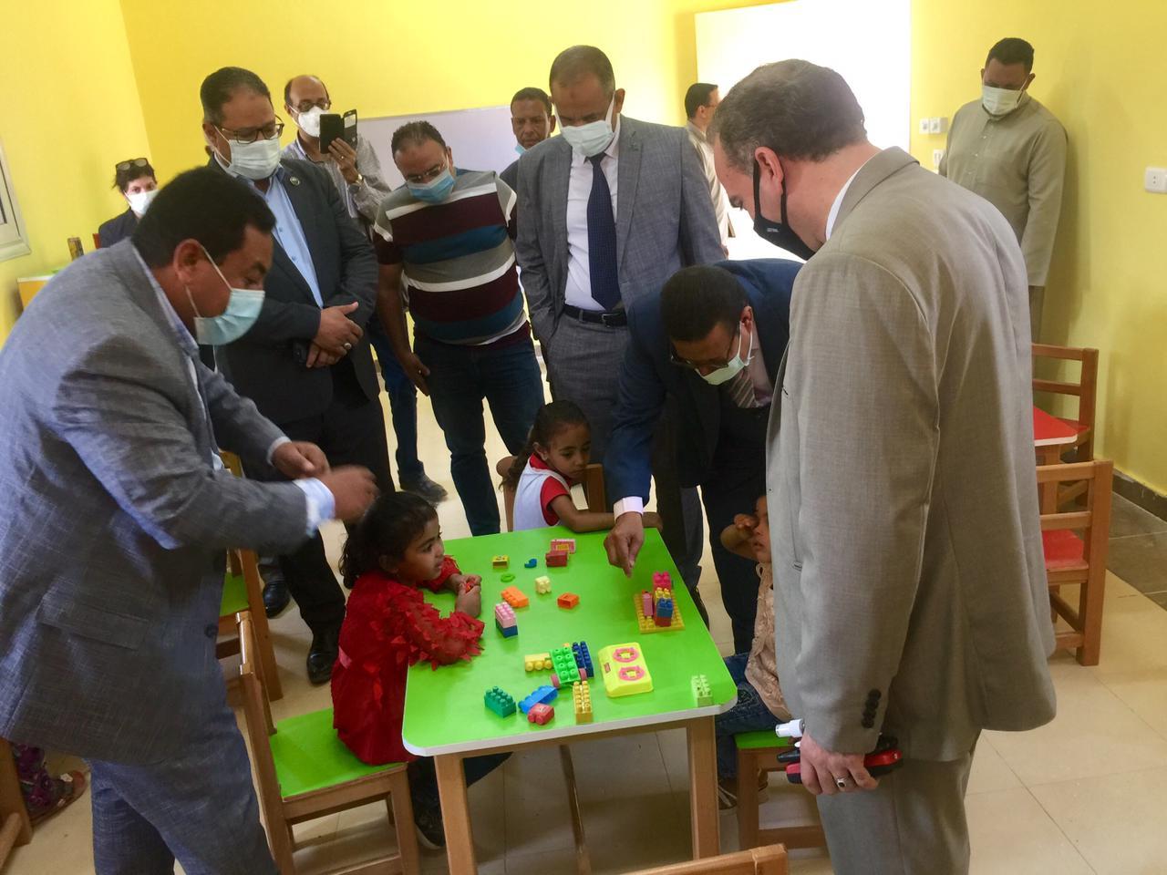 """جولة تفقدية لمتابعة تنفيذ تطوير الحضانات بمشاركة ممثلى التضامن و""""مصر الخير"""".."""