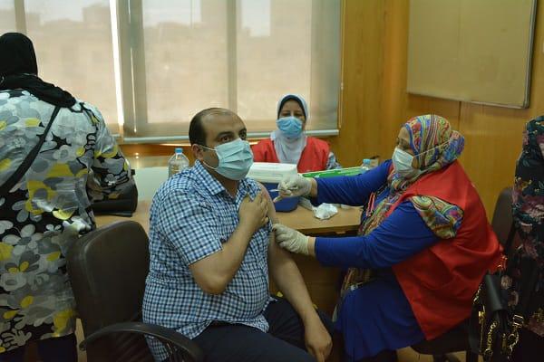 جامعة الفيوم تبدأ حملة تطعيم لقاح فيروس كورونا للسادة أعضاء هيئة والعاملين