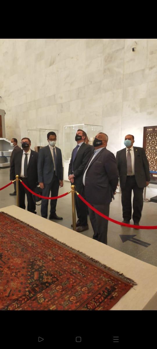 وزارتا الرياضة والسياحة تنظمان جولة لرئيس الوكالة الدولية للمنشطات بالمتحف القومي للحضارة المصرية