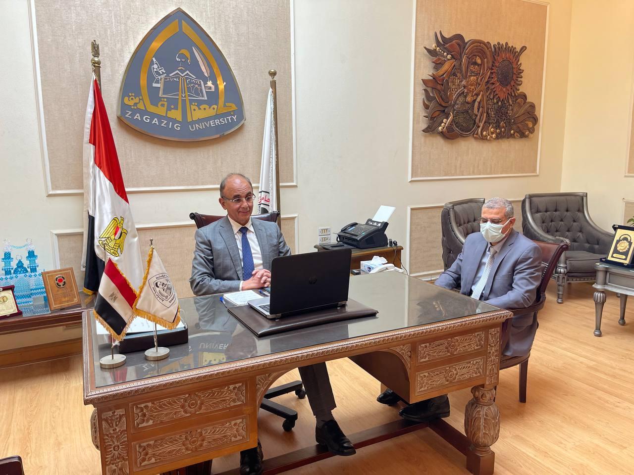 جامعة الزقازيق توقع بروتوكول تعاون مع وزارة الاتصالات لإنشاء مركز إبداع مصر الرقمية بالجامعة .