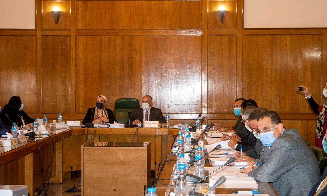 عقد إجتماع اللجنة العليا لتراخيص الشواطئ برئاسة وزير الموارد المائية والري وبحضور وزيرة البيئة وممثلي الوزارات والمحافظات المعنية
