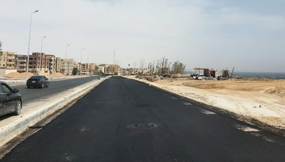 """""""الإسكان"""": تنفيذ أعمال مرافق أراضي الأكثر تميزاً بالمنيا الجديدة..والبنية الأساسية لتوسعات عتاقة بخليج السويس"""