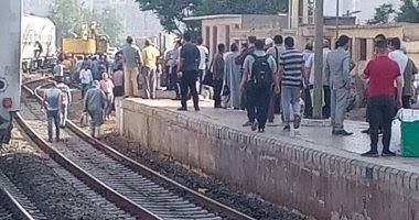 عودة حركة القطارات إلي طبيعتها بعد سقوط عجلة قطار 163 أسوان/ الإسكندرية في محطة بنها