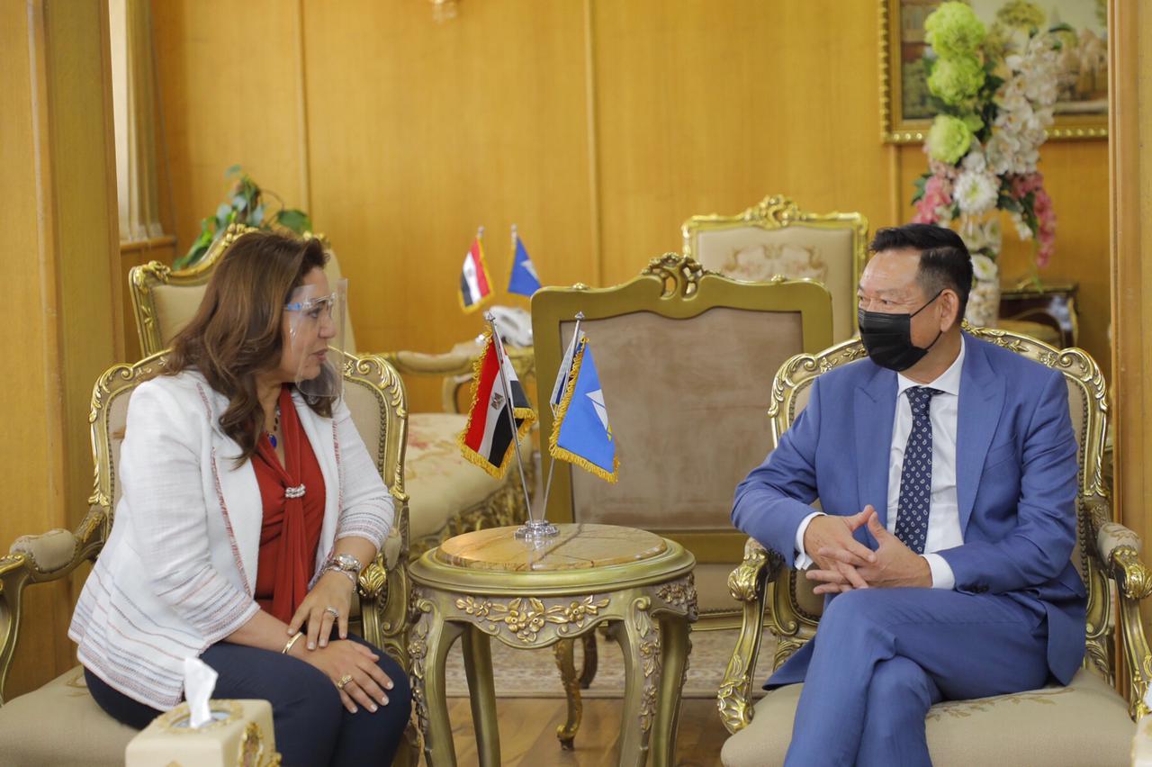 محافظ دمياط تستقبل السفير الفيتنامى ويبحثان سُبل تعزيز أواصر التعاون المشترك بين الجانبين
