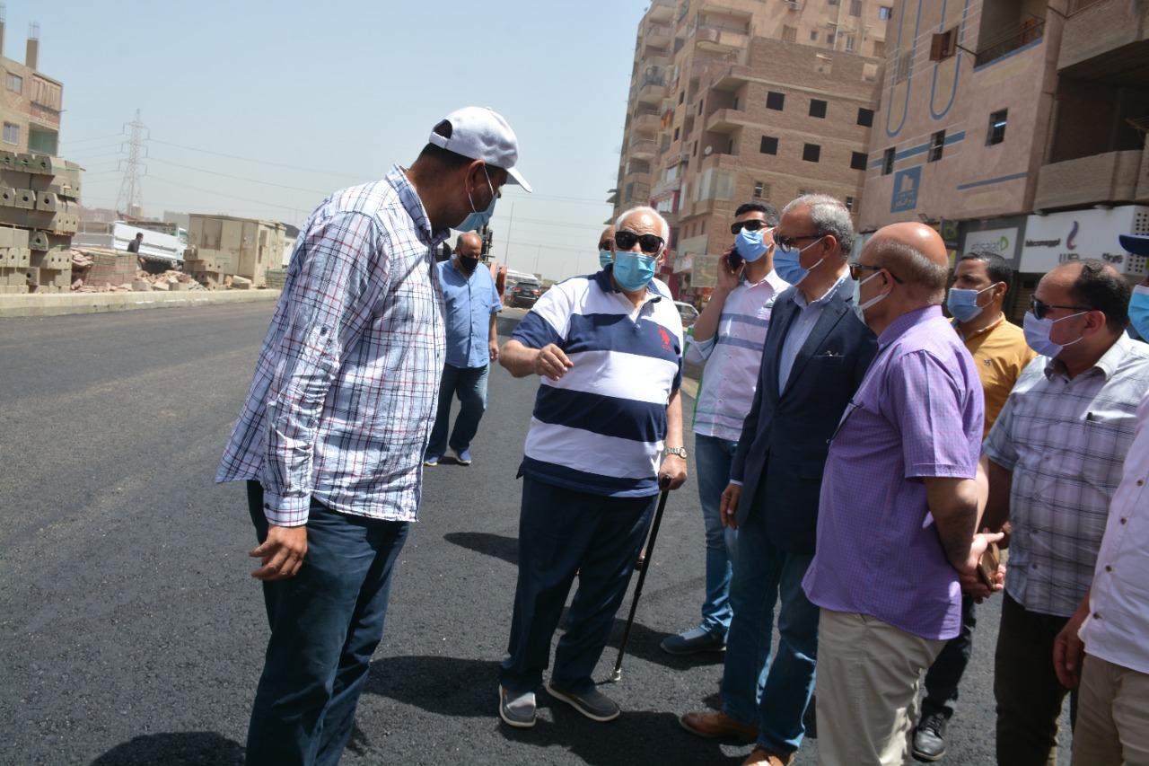 محافظ القليوبية يتابع أعمال رصف شارع أحمد عرابي بحي غرب شبرا الخيمة