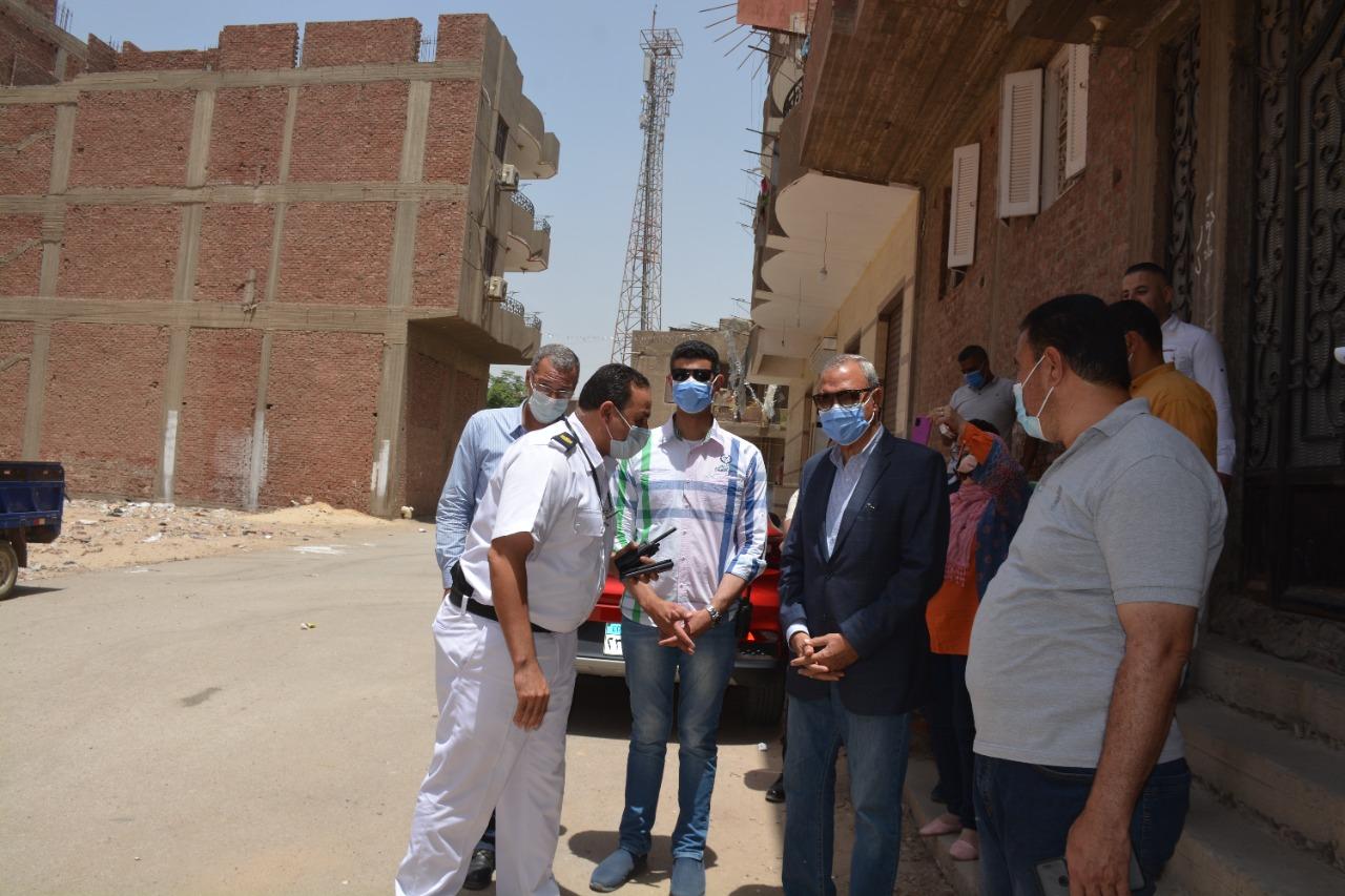 محافظة القليوبية يشهد إزالة ثلاثة أدوار بمبنى مخالف بالخانكة