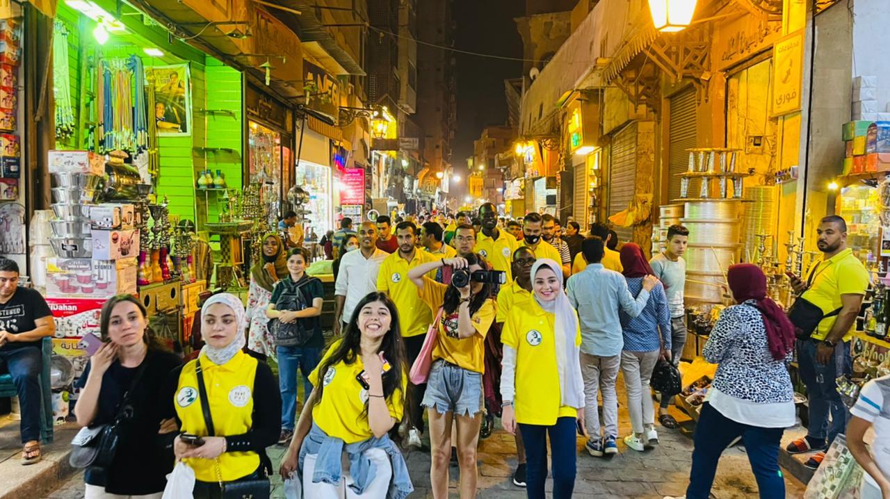 """منحة """" ناصر للقيادة الدولية """" تنظم جولة سياحية بمنطقة الحسين وخان الخليلي في ختام فاعليات اليوم التاسع من المنحة"""