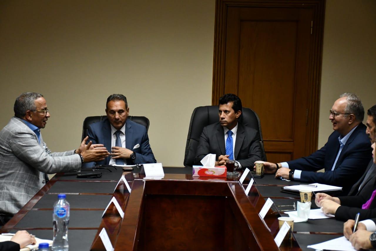 وزير الشباب والرياضة يجتمع  بصندوق دعم الرياضة المصرية