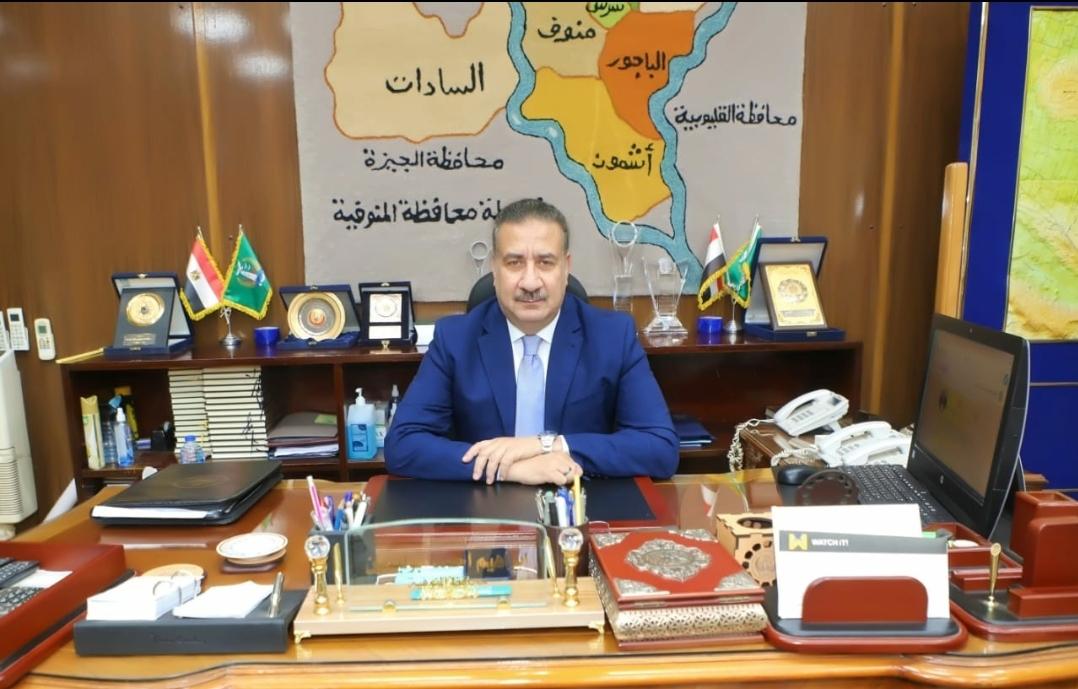 """محافظ المنوفية يقدم واجب العزاء لأسرة الطالبة """"داليا الخواجة """""""
