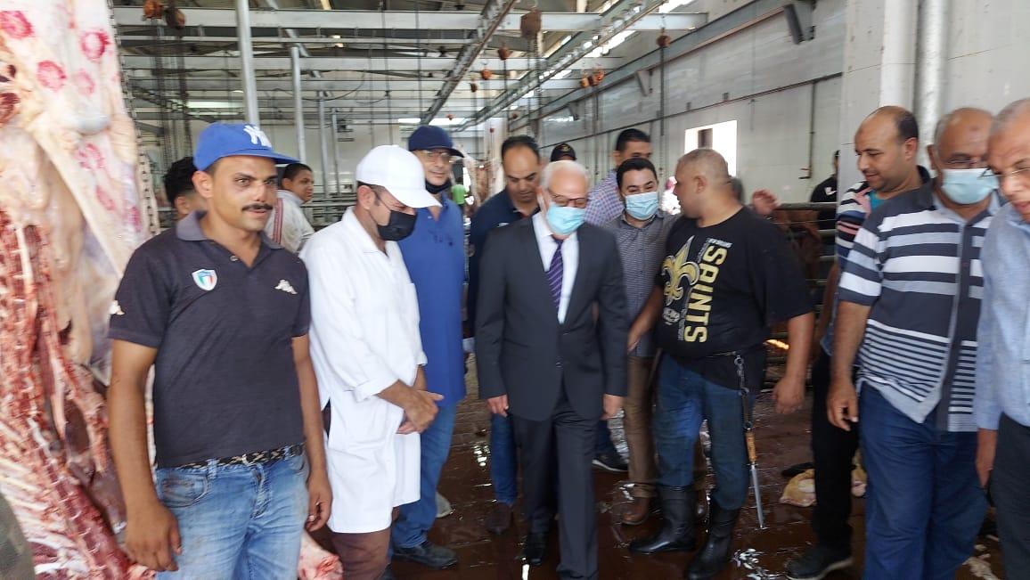 محافظ بورسعيد يتفقد مجزر بورسعيد لمتابعة استعدادات أعمال الذبح خلال عيد الأضحى