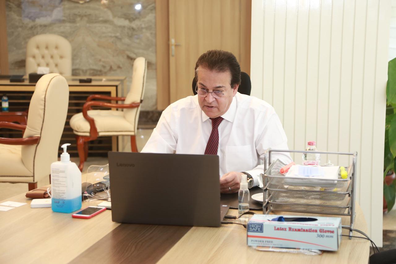 وزير التعليم العالي يعلن صدور قرارات جمهورية بتعيين عمداء جدد بالجامعات