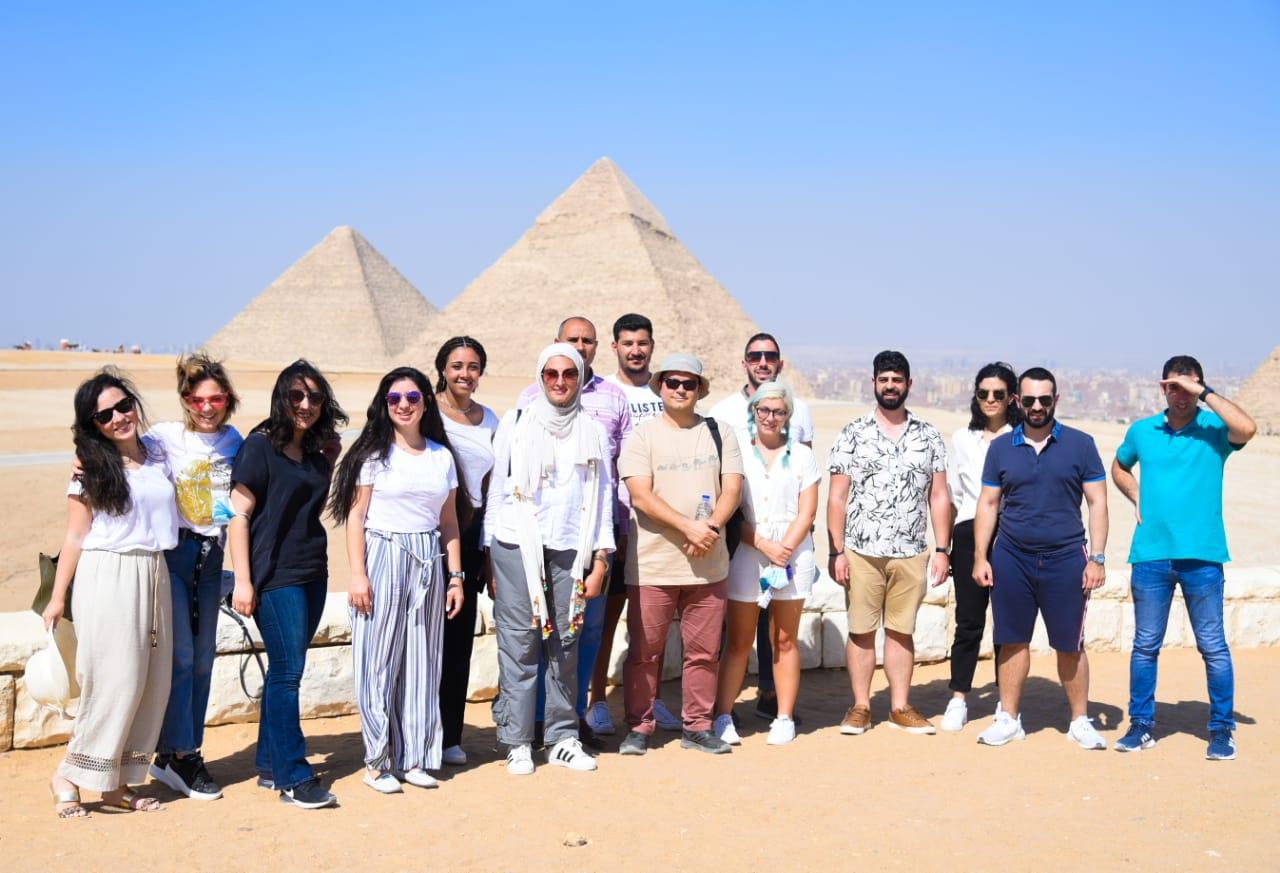 وزارة الهجرة تنظم زيارة للوفد الشبابي المصري واليوناني والقبرصي لمنطقة الأهرامات ومتحف الحضارة