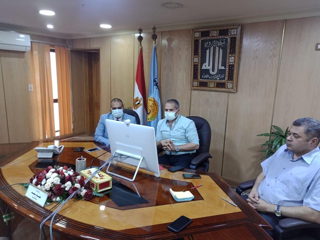 نائب محافظ أسيوط يشارك فى اجتماع المحافظين مع رئيس الوزراء عبر الفيديو كونفرانس