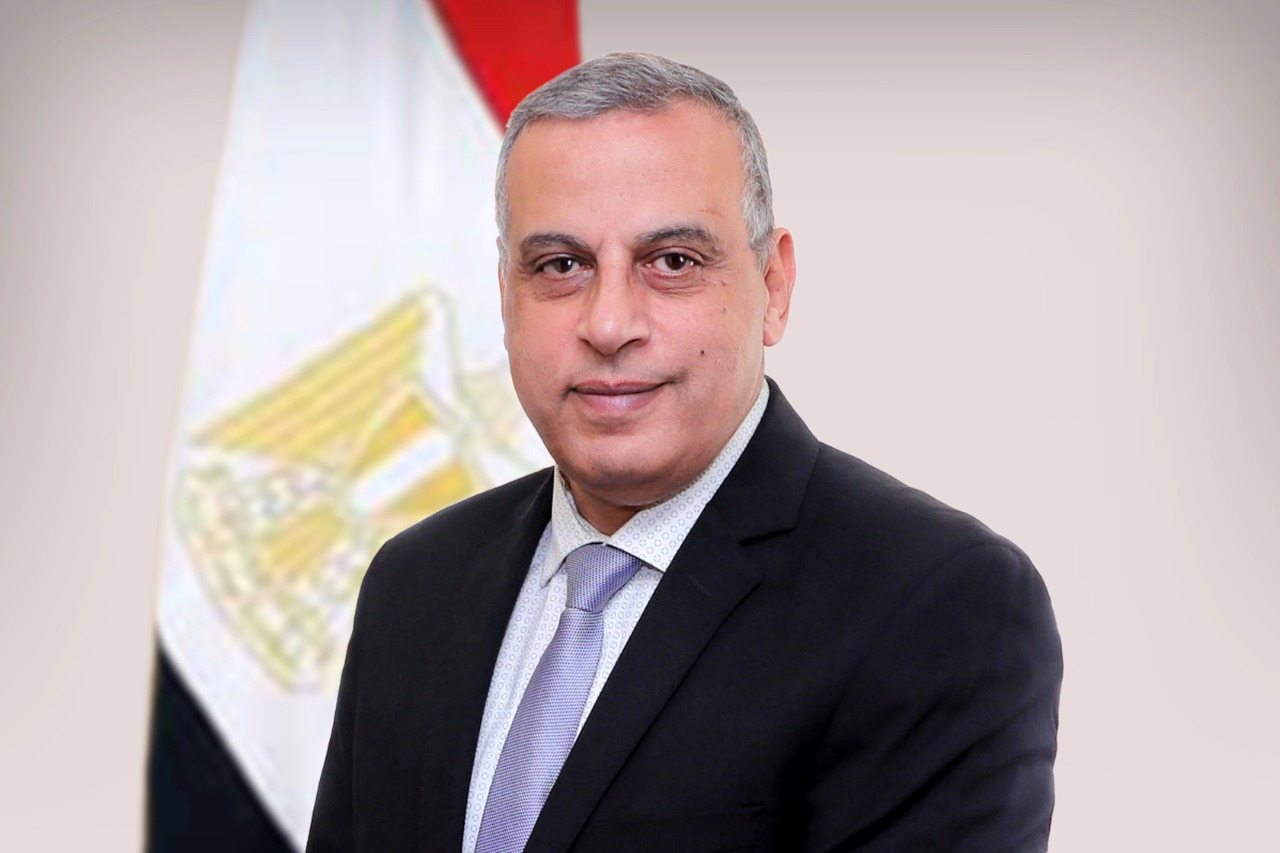 محافظ سوهاج يهنئ رئيس مجلس الوزراء بمناسبة حلول عيد الأضحى المبارك