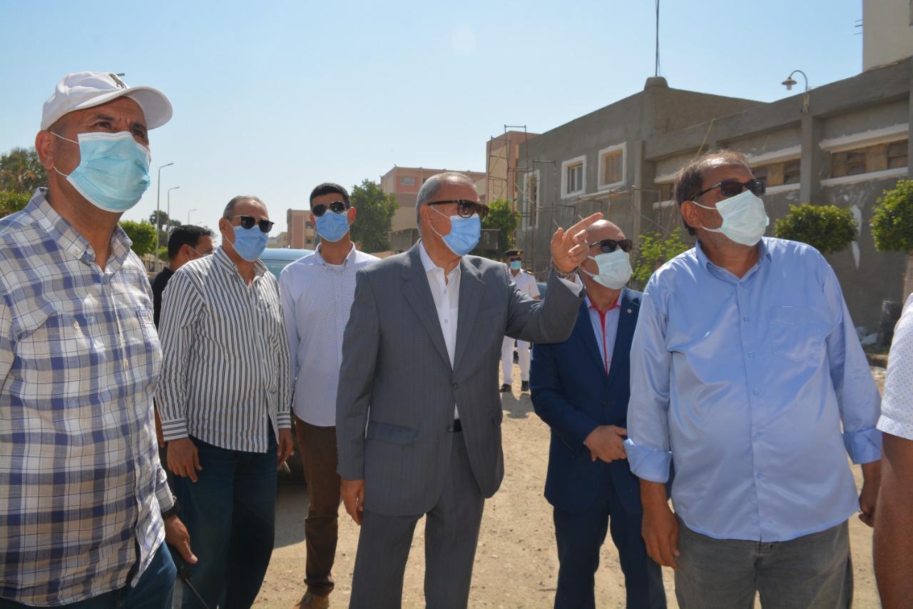 محافظ القليوبية يتابع أعمال تطوير محيط قصر محمد علي و إزالة المباني المتعارضة مع أعمال توسعة الطريق الدائري بحي غرب شبرا الخيمة والخصوص